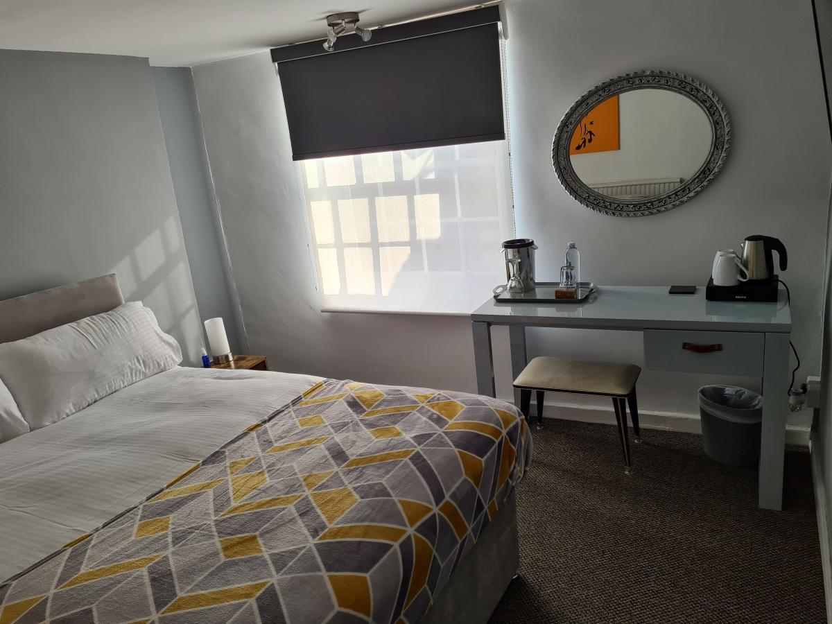 Room 2 The Carpenters Arms Hotel From Blond Hotels Boston Lincs